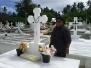 Visite du Président au cimetière ou se repose sa MAMAN